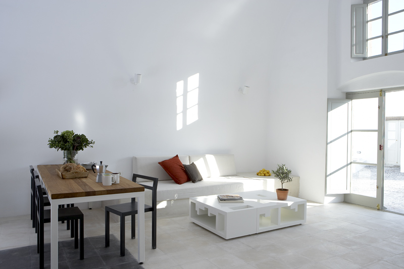 Vacation Housing Villa Fabrica : milos - living and dining area